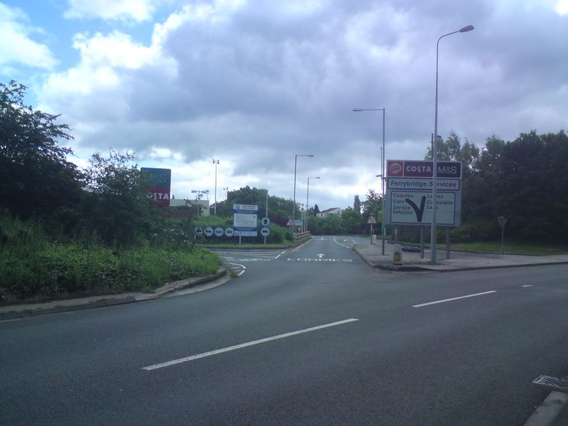 File:Ferrybridge entrance .jpg